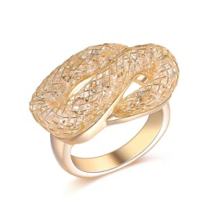 Trendy Snake Shape Champagne Color Fashion Accessory Crystal Woman Ring pictures & photos