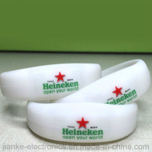 Hot Selling Promotion Glowing Bracelets with Logo Print (4010) pictures & photos