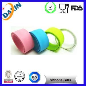 China Factory Cheap Custom Silicone Slap Bracelet, Slap Bracelet pictures & photos