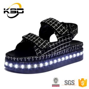 Hot Selling Fashion Casual Women and Men Changeable Light up LED Shoes