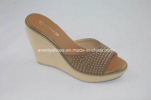 Open Toe Women Flip Flop with Platform Design pictures & photos
