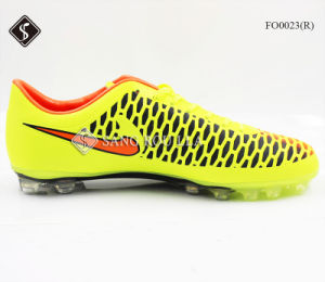 Soccer Shoes for Men & Football Shoes pictures & photos