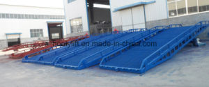 Factory Price Truck Container Hand Hydraulic Movable Yard Ramp pictures & photos