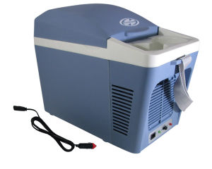 Portable Car Mini Fridge 7liter DC12V in Both Cooling and Warming Function pictures & photos