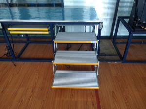 Folding Aluminum Step Ladders with CE Certificate and Loading Capacity 200kg pictures & photos