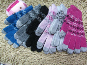 Promotion Knitted Acrylic Warm Magic Touch Screen Gloves/Mittens pictures & photos