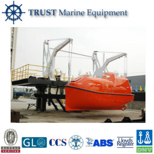 Marine Gravity Luffing Arm Type Boat Davit pictures & photos