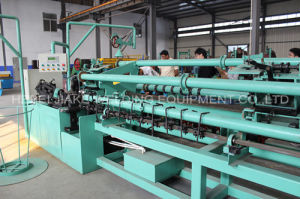 High Quality Galvanized Chain Link Fence Machine pictures & photos