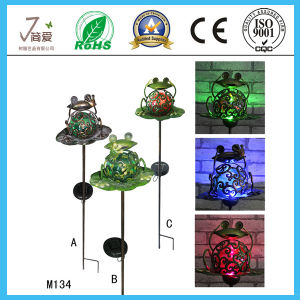Decorative Frog Iron Solar Figurine for Iron Decoration pictures & photos