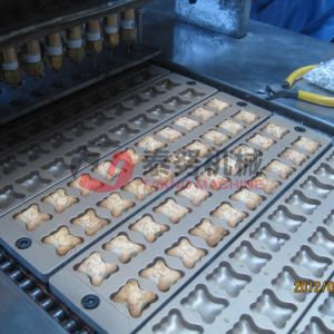 Full Automatic Chocolate Filling Biscuit Food Machine pictures & photos
