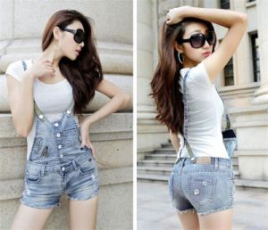 Hot Breasted Elastic Strap Denim Jeans for Female pictures & photos