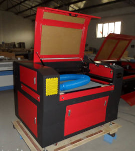 CO2 Laser Engraving&Cutting Machine for Crafts pictures & photos