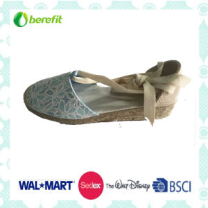 Canvas Upper with Hollow Seat, Women′s Sandals pictures & photos
