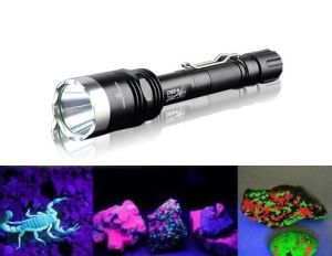 10W UV 395nm Rechargeable Amber Looking LED Flashlight pictures & photos