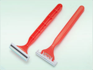 Triple Blade Disposable Razor (KD-3010L) pictures & photos