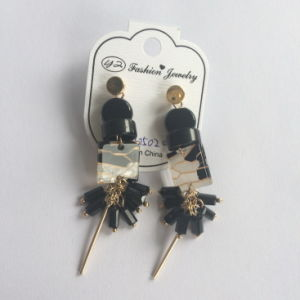 Black Plastic Earring with Metal Tassel Fashion Jewelry pictures & photos