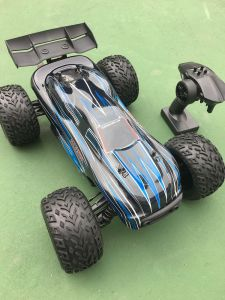 2.4GHz Electric Brushless RC Car Model 1/10 Scale pictures & photos