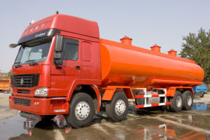30m3 Sinotruk HOWO 8X4 336/371HP Fuel Tank (JYJ5312GJY) pictures & photos