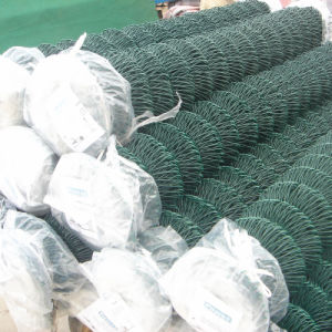 PVC Coated or Galvanized Chain Link Fence for Security, Highway, Commerical, Residential, Schools, Construction pictures & photos