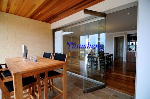Tempered Glass Frameless Folding Door/Interior Frameless Folding Door Price/Frameless Folding Door pictures & photos
