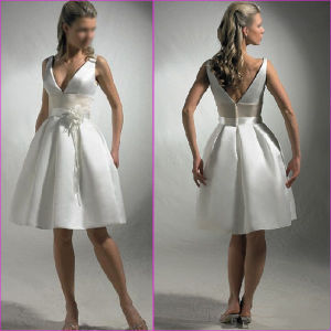 A-Line Bridal Dress Little White V-Neck Short Satin Wedding Dress Tl15 pictures & photos
