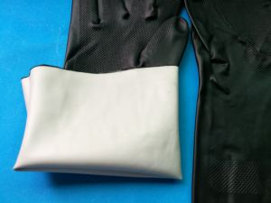 Hotsale Black Color Neoprene Gloves in Competitive Cost pictures & photos