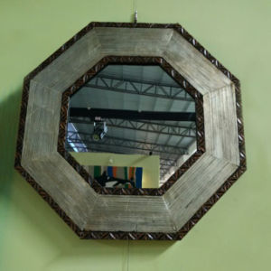 Inexpensive Antique Foiling Wooden Mirror Frame (LH-000501) pictures & photos