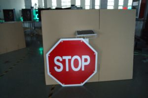 Octagonal Solar Powered Traffic Sign / LED Flashing Road Sign pictures & photos