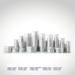 Frosted Luxury Glass Cosmetics Jars and Bottles in Guangzhou for Skin Care Container pictures & photos