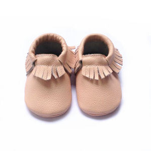 2017 New Style Moccasin Baby Shoes pictures & photos