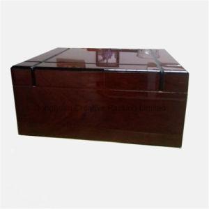 Wholesale High Gloss Wood Cedar Cigar Humidor pictures & photos