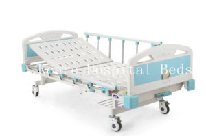 CE/ISO13485 Manual Back Lifting ABS Hospital Bed with One Crank pictures & photos