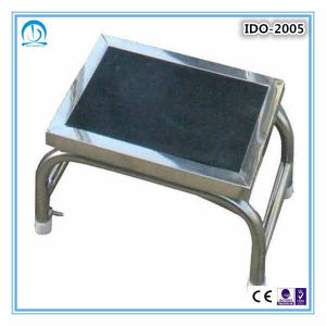 Ce ISO Approved Metal Foot Stool pictures & photos