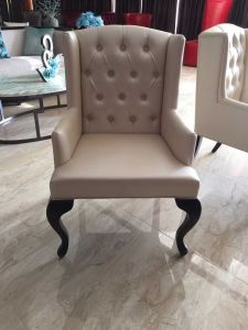 Wing Chair/Restaurant Chair/Foshan Hotel Chair/Solid Wood Frame Chair/Dining Chair (NCHC-004) pictures & photos