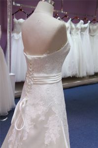 Strapless Lace Satin A Line Evening Prom Party Bridal Wedding Dresses pictures & photos