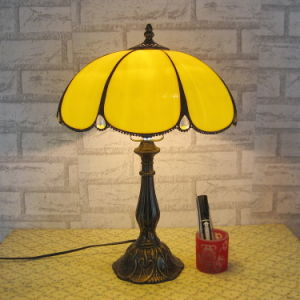 Tiffany Table Lamp Living Room Restaurant Sofa Light Bar Hotel Club Decorative Table Lamp pictures & photos