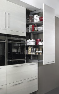 Popular Red Modern High Gloss MDF Kitchen Cabinet pictures & photos