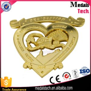 Factory Wholesale Metal Hollow out Heart Shape Metal Lapel Pins pictures & photos