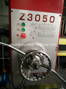 Chinese Radial Manual Drilling Machine Price Z3040 pictures & photos