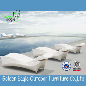 Benchcraft Outdoor Rattan Chaise Lounge, Double Wicker Sunlounger pictures & photos