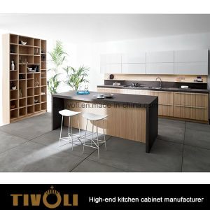 Germany Design Solid Oak Kitchen Furniture (AP051) pictures & photos