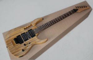 Hanhai Music/Original Wood Color Electric Guitar with Zebra-Stripe Veneer pictures & photos
