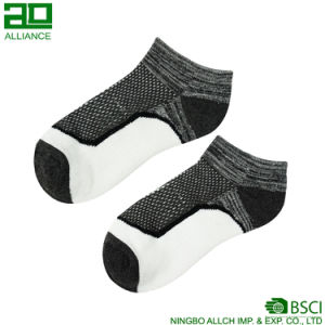 Men Sport Running Custom Cotton Ankle Socks pictures & photos