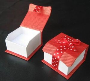 High-Quality Jewelry Box (100010)