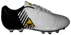 Soccer Football Boots with TPU Outsole for Men′s Shoes (815-1417) pictures & photos