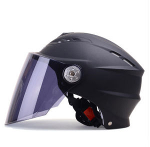 Fashion Wholesale Factory Motorbile Summer Helmets for Male and Female pictures & photos