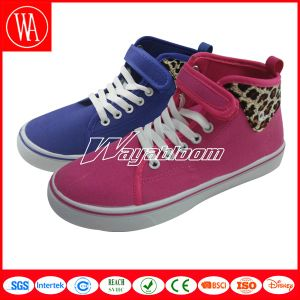 Competitive New Winter Fashion Boots for Women and Children pictures & photos