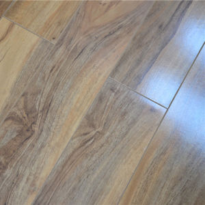 Crystal Surface HDF 8mm Laminate Flooring pictures & photos