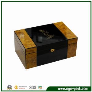 Double Lacquer Color Wooden Cigar Box pictures & photos