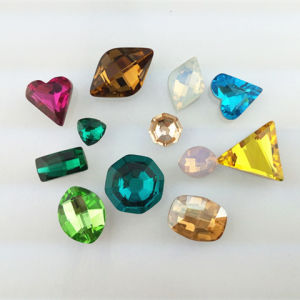 Crystal Pointback Fancy Stone Glass Beads for Jewellry pictures & photos